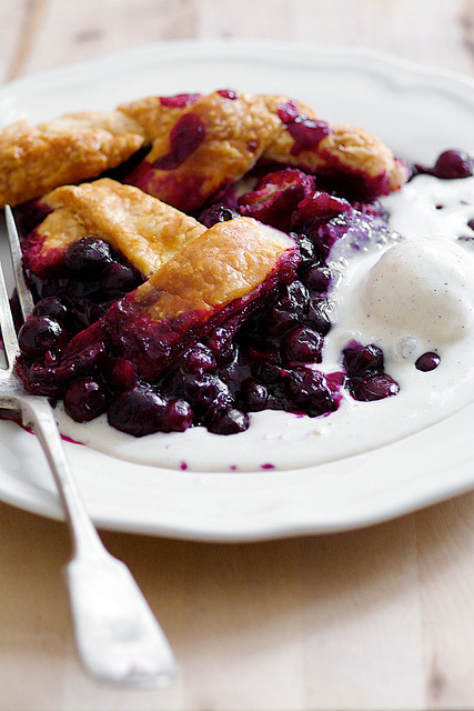 clottedcreamscone:  blueberry-pie-10 by pickyin on Flickr.  omg tumblr why are you so cruel