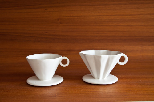 stayingpassionatelycurious:  oooh i've never seen pourovers in these shapes before!  Loveliness!
