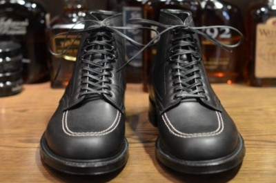Alden 'Ultimate Indy' Boots The Alden 'Ultimate Indy' in black Aniline calf leather. These flew off shelves when they were first introduced a few years back, they now make a return via Leather Soul who currently offer more versions of this boot than you have days in the year to wear them. Now, some may be shaking their heads at another mention of the Indy. The poster boot for the menswear movement has become, lets say, Ubiquitous. This version however has breathed new life into a classic, that matte black colourway bringing a chalkboard vibe and generally smartening the whole thing up.
