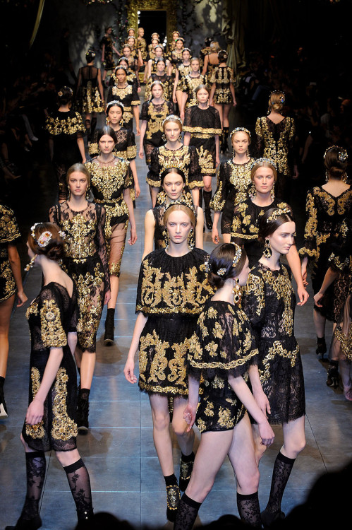 suicideblonde:  Dolce and Gabbana's model army at Fall 2012, February 26th