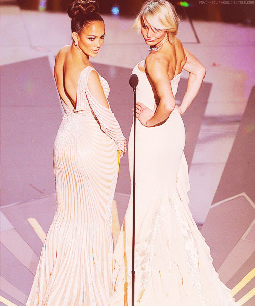 psychadeliachild:    Jennifer Lopez & Cameron Diaz | 84th Annual Academy Awards Show (27.02)