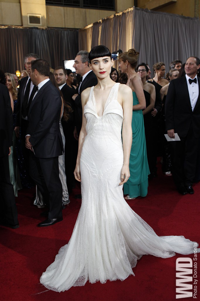 womensweardaily:  Red Carpet Report: Oscar Trends Rooney Mara in Givenchy and Fred Leighton