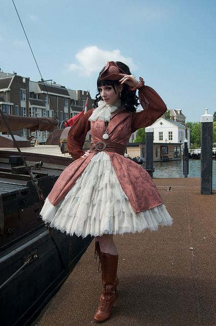 merryberryjelly:  Sailor Lolita Meet 26-06-2010 by dmvdberg on Flickr.  Oh wow. I love this! And it's been a while since a good sailor loli coord crossed my dash, I gotta say.