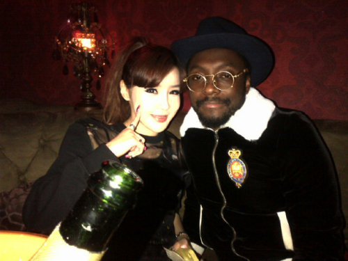 "ygfamilyy:  Will.I.Am: ""Bom bom bom from 2ne1…#seoulpower"""