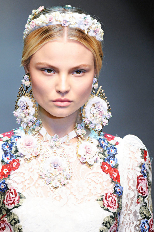 vogue:  DETAIL: Dolce & Gabbana Fall 2012  I wonder how Edie would have styled these…