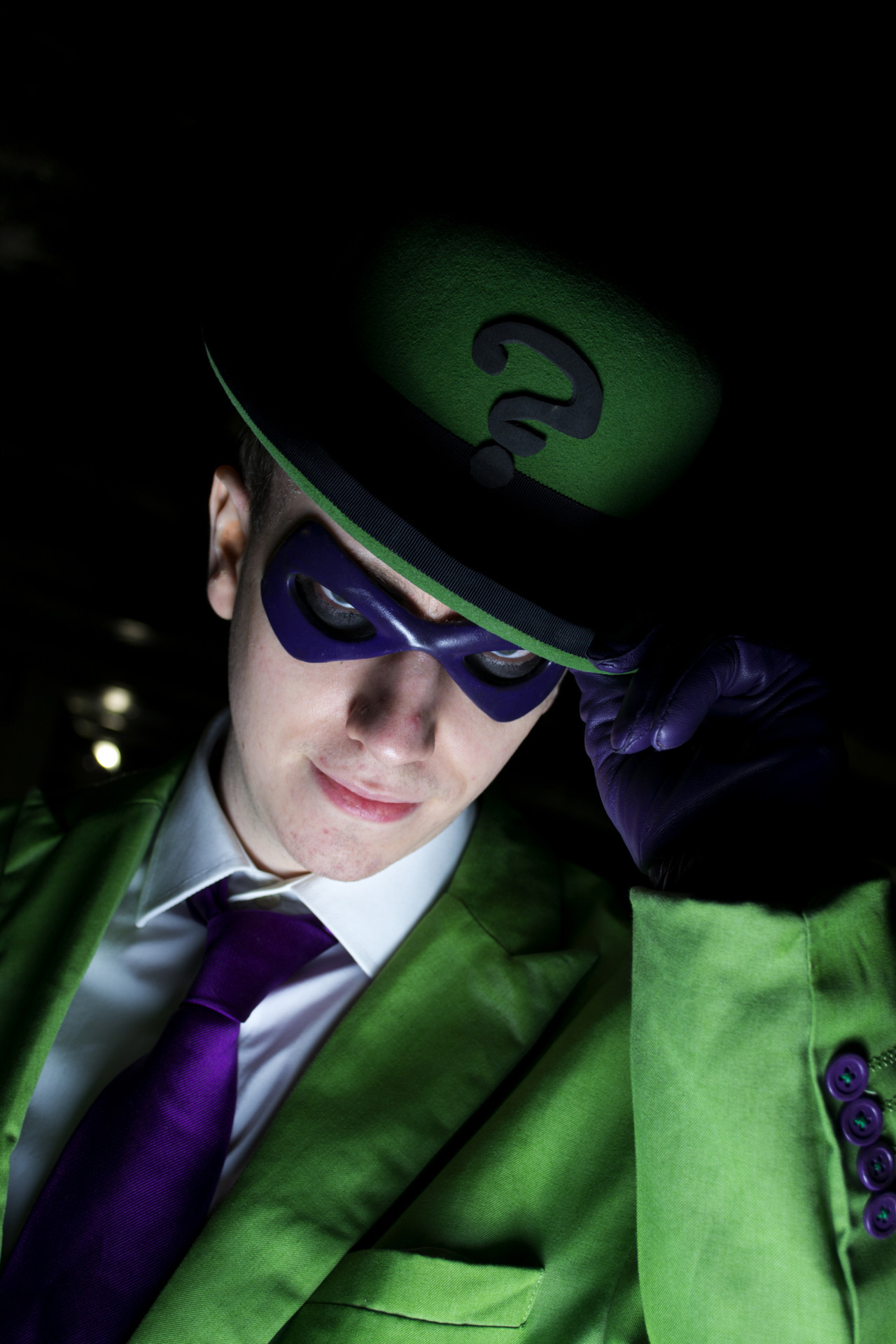 miraclemango:  roguewizard:  hoperidesforeveralone:  HNNNGGG Riddler - http://roguewizard.tumblr.com Photographer - Me  another of me from LSCC, also i really need to upgrade the ? on my hat  I'm just gonnaPut this on my blog too  YOU KEEP YOUR HANDS OFF MY MAN.