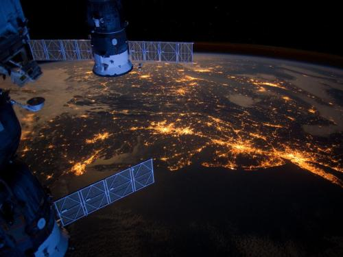 inothernews:  MEGALOPOLIS   The Eastern Seaboard is seen alight from the International Space Station.  (Photo via NASA)   Looks a lot like an open wound, Bleeding energy…ugh!