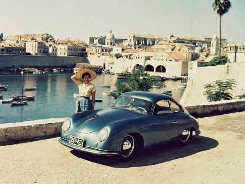 goodoldvalves:  Porsche 356 'Split-Window' (1951) Early 356s featured the Type 369 flat-4 1086cc engine from Volkswagen, which would push these up to 100mph even with only around 40bhp to put on the road. I would tell you more but I'm still desperate for a cup of coffee.