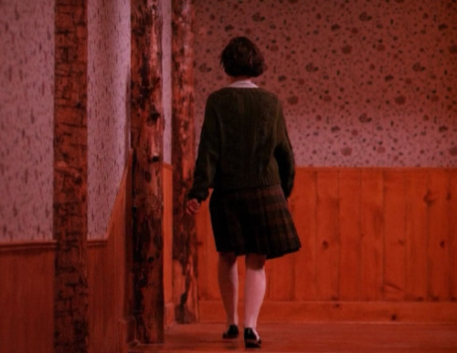 fashion-and-film:  Twin Peaks (1990)