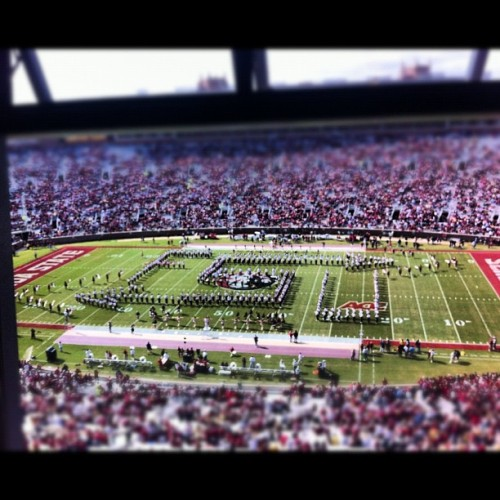 rissabe1l:  I miss football season! (Taken with instagram)  Yeah that's me on the front most line on the 50. NB freaking D.