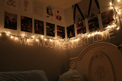 I think I want to do this too my wall now! But with a different phrase!