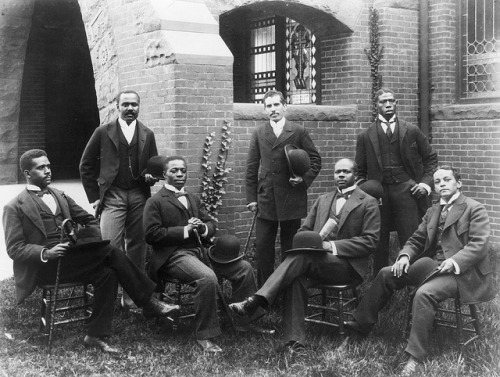 vieilles-annonces:  Howard University Graduating Class of 1900 on Flickr.  Howard University's Class of 1900.