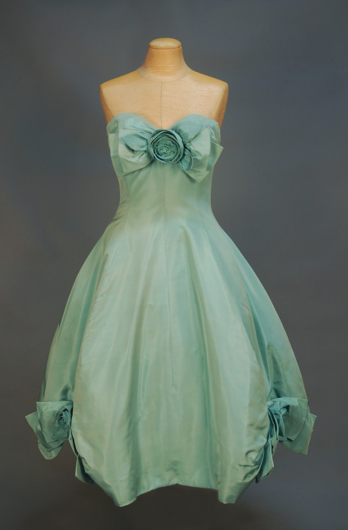 Party dress by Dior, 1958 Paris The next few posts are from an upcoming Whitaker auction