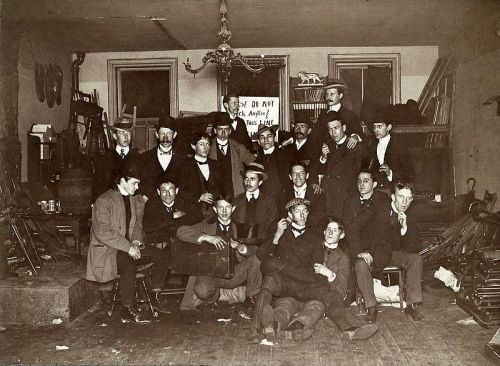 American artist John Sloan and friends at his studio in Philadelphia, 1898