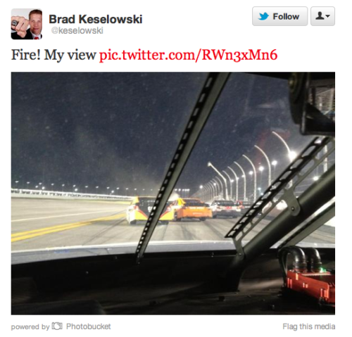 soupsoup:  There's something unsettling about NASCAR drivers tweeting and driving.
