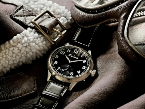 New Limited Edition Alpina Heritage Pilot Watch