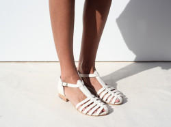 eunoir:  citykid-s:  w-ildwillow:  natral:  ins-pired:  cute shoes  i love these shoes    Q'd lovelies ☼★  if i had attractive ankles i'd buy these