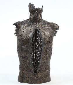 (via Seo Young Deok's Incredible Chain Sculptures | Yatzer)
