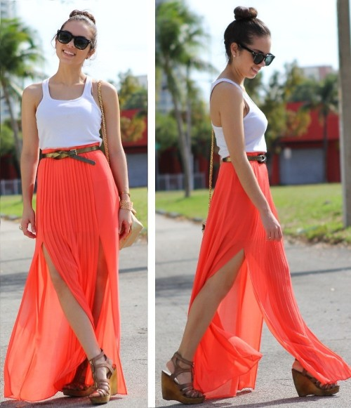 Slit maxi skirt! (by Daniela Ramirez)