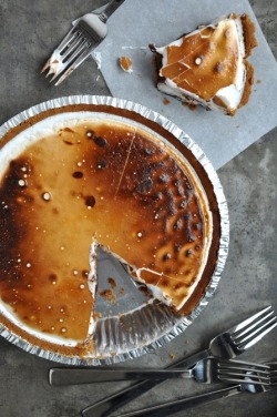 squaremeal:  dudleys—world:  S'more Pie