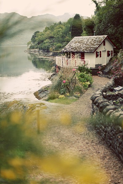 dyingofcute:  a cottage in Scotland  No, that's my house. :P