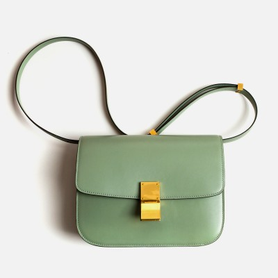 fashionfever:  Céline Medium Flap Bag