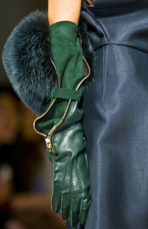 coolchicstyle:  Gianfranco Ferré Fall/Winter 2012 Ready to Wear