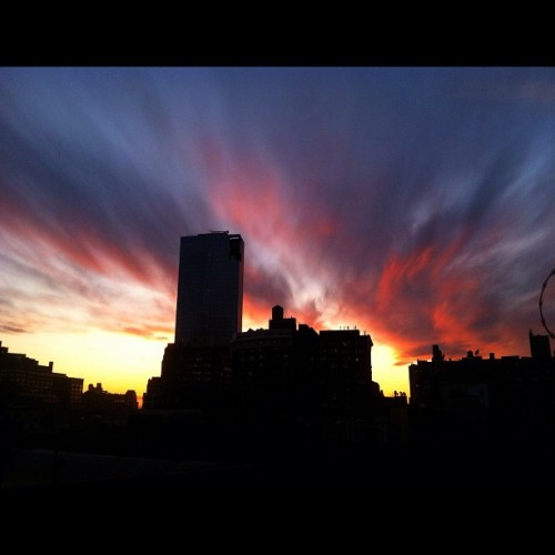 Sunset over Manhattan tonight #nyc #sunset #2012 (Taken with instagram)