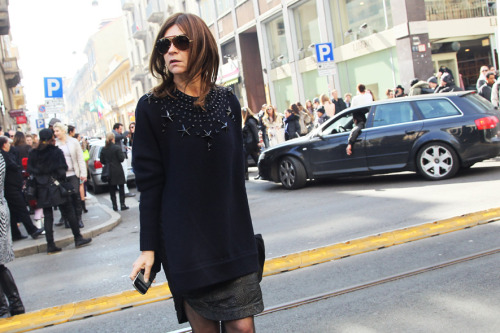 Carine Roitfeld in a Givenchy Mens sweater (via Fashion Editor Street Style: Milan Fashion Week Fall 2012 (Forum Buzz))