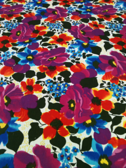 Pant weight printed floral cotton fabric