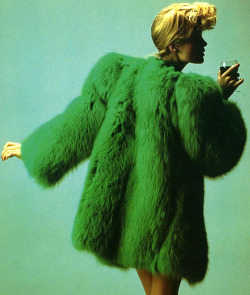 theyroaredvintage:  1971 coat by Yves Saint Laurent, inspired by 1940s.
