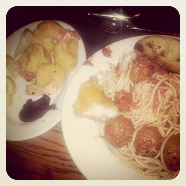 Shrimp spag meatballs and garlic bread #blackangus  (Taken with instagram)