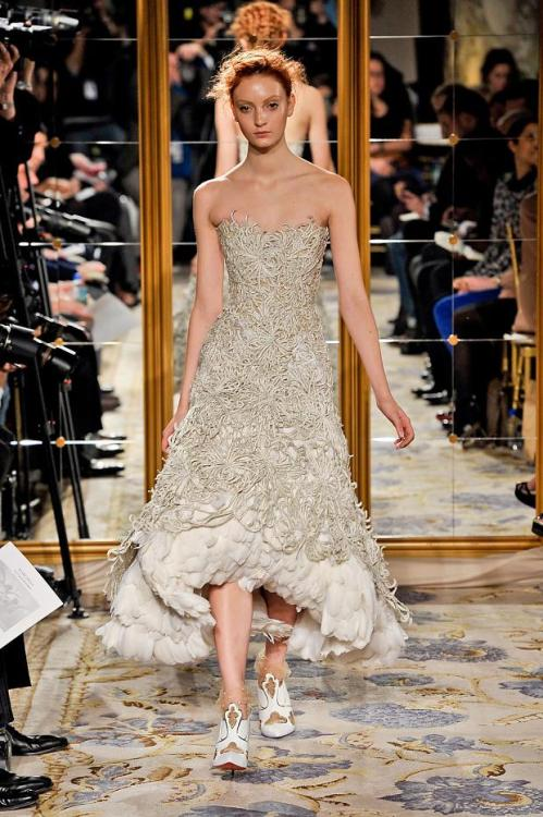 (via WASTED TALENT: A Fashion   Lifestyle Blog: FAVORITES FROM MARCHESA A/W '12)