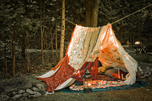 joellepoitra:  [ Escape. ]  Oh! I remember one time while camping once, one of the tent poles snapped and I had to make a tent out of sheets. I wasn't really protected from the bugs though… Or the rain… It was kinda a chilly night…!