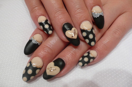 nailpop:  black x ivory  love the matte finish on this!