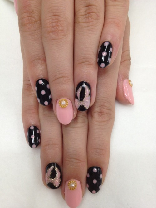 nailpop:  pink ribbons