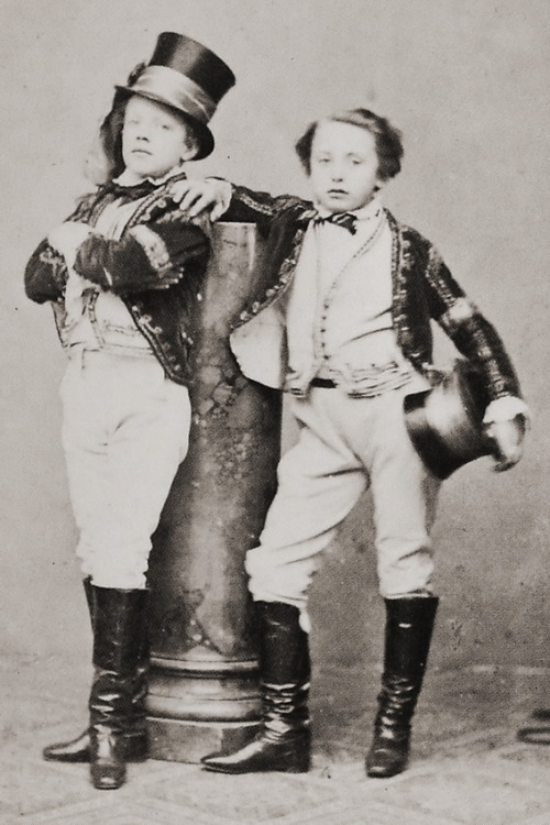 my-ear-trumpet:  Children of Circus Renz, Vienna 1860s.  Photographer: August Mansfeld.  Swagger.