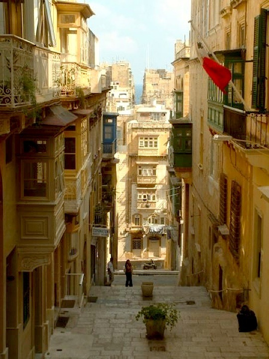 | ♕ |  Steep alley in Valletta, Malta  | by © Maximilian Bühn