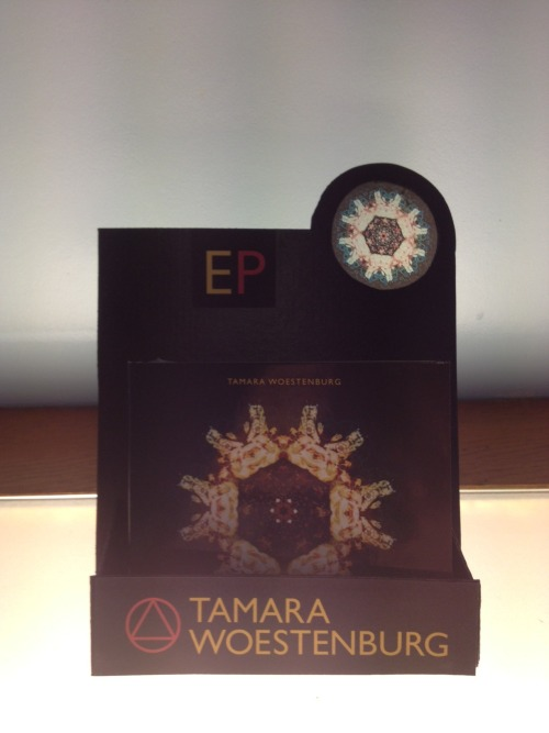 EP of Tamara Woestenburg in cd display created by KommaRiero. Graphic design cd EP and logo by Auke Triesschijn Studio. Tamara Woestenburg 'EP' now in store, display now on counter. Feb 2012