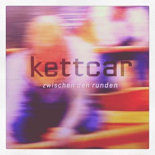 day 29 | something i'm listening to #kettcar #febphotoaday #februaryphotochallenge @fatmumslim #photoaday #vinyligclub #spinningnow #vinylcover #day29 (Taken with instagram)