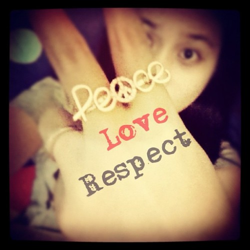 #peace #love #respect #ring #pictoftheday #photooftheday #instadaily #instahood #instago #instagram #iphoneography #iphonesia (Taken with instagram)