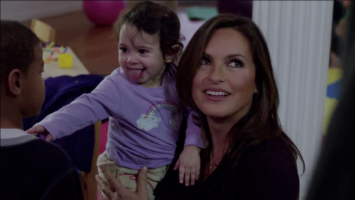 "Mariska Hargitay + cute baby = ""Law & Order: SVU"" exclusive preview photos and video."