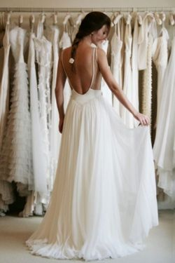 yourlonglostsis:  I kind of want to get married in this dress. It's not like anything I've ever pictured wearing before. But I love it!