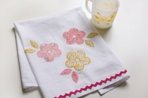 Springtime Tea Towel DIY via Papernstitch