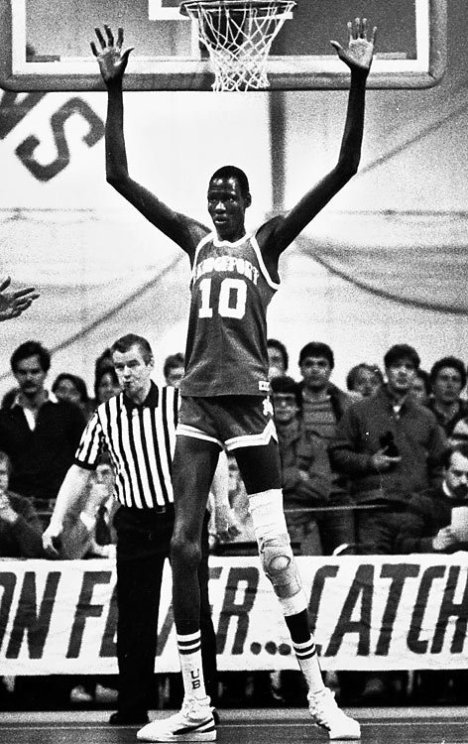 People Who Studied Abroad #263:Manute Bol, professional basketball player  From: Sudan (now South Sudan)  Studied: He studied English at Case Western Reserve University, then studied and played basketball at University of Bridgeport for one season before going pro.