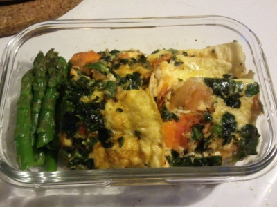 Spinach and tomato omlette with a side of asparagus.