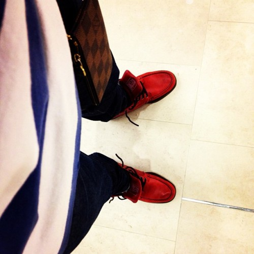 ryanblackway:  Perfect rainy night to rock these @ronniefieg x @streetetiquette Sebago's. #Timeless. (Taken with instagram)