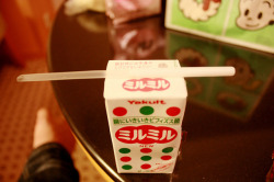 japanlove:  Milk milk by p(^0^)q on Flickr.