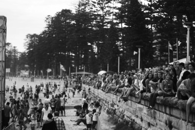 Crowds at Australian Open of surfing at manly
