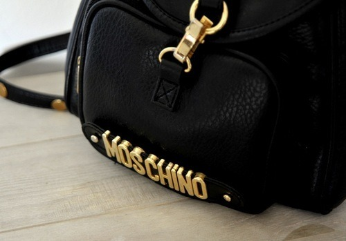 runawayontherunway:  I'd love to have this bag!   Posted with TumTum ♻